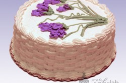 Basketweave Pattern & Sweet Peas in Vanilla Buttercream Icing